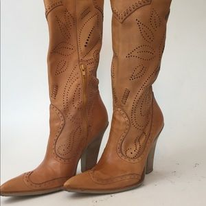 BCBG tan embossed cowboy boots two inch heels sz 7